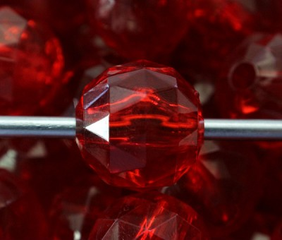 15mm Red Faceted Acrylic Rounds - (5 Beads)