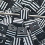 Acrylic Black & White Square - (10 Beads)